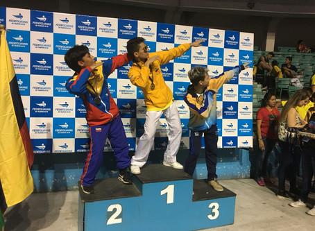 Jovem imigrante Venezuelano conquista medalha de ouro para seu novo Pais