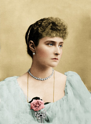 Portrait Colorization of Alexandra Feodorovna, last Empress of Russia as the spouse of Nicholas II