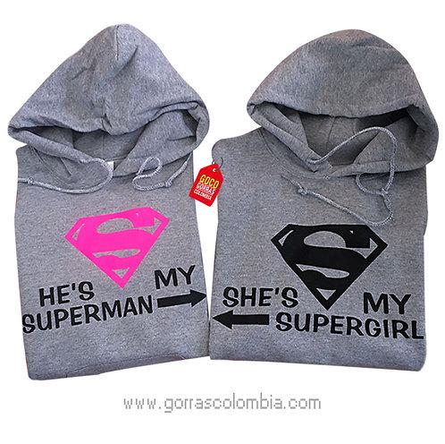 busos grises con capota para pareja superman y supergirl