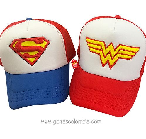 gorras azul y roja frente blanco para pareja super heroes