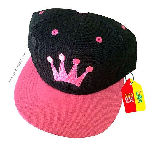 gorra fucsia frente negro personalizada corona
