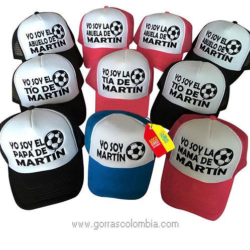 gorras varias frente blanco para familia balón de futball