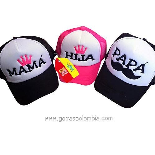 gorras negras y fucsia frente blanco para familia papá, mamá e hija