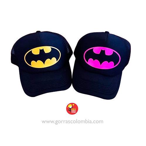 gorras negras unicolor para pareja batman