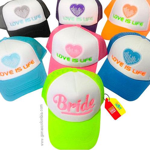 gorras varias frente blanco para fiesta love is life