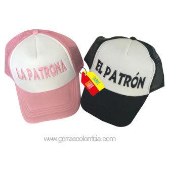 gorras negra y rosada frente blanco para pareja patron y patrona