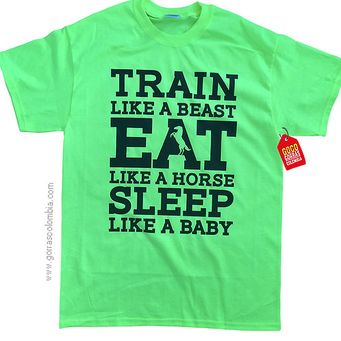 camiseta verde personalizada train eat sleep