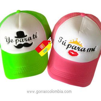 gorras pareja verde y fucsia frente blanco para pareja para ti y para mi