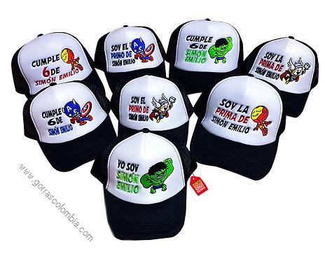gorras negras frente blanco para familia super heroes