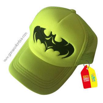 gorra verde neon unicolor de superheroes batman
