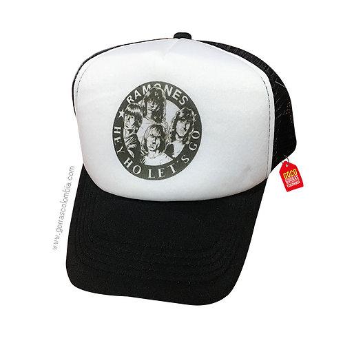gorra negra frente blanco personalizada ramones
