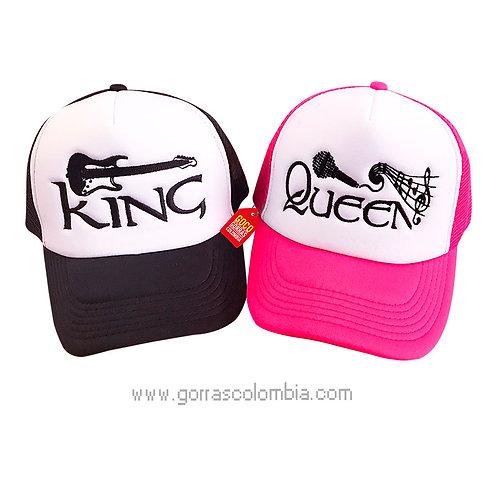 gorras negra y fucsia frente blanco para pareja king y queen musica