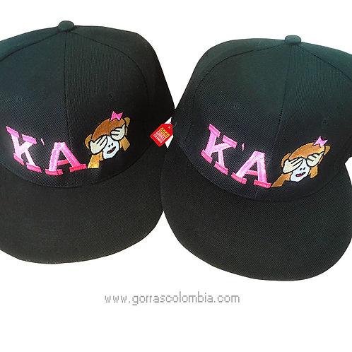 gorras negras unicolor para amigas emojic