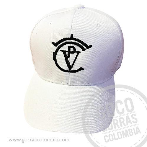 gorra blanca unicolor personalizada logo cvp