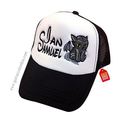 gorra negra frente blanco personalizada gato murcielago