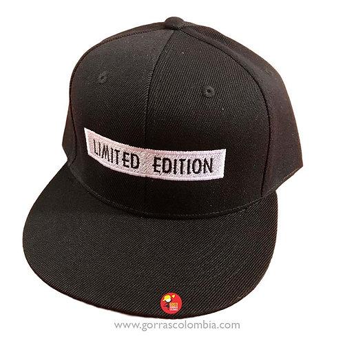 gorra negra unicolor personalizada limited edition