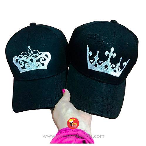 gorras negras unicolor para pareja coronas