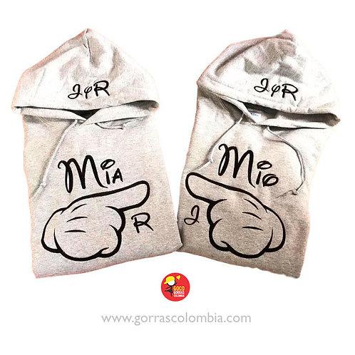 busos grises con capota para pareja mia y mio