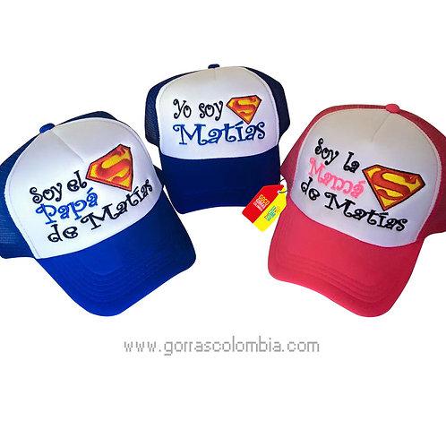 gorras azul y fucsia frente blanco para familia superman
