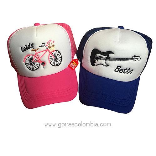 gorras azul y fucsia frente blanco para pareja deporte y musica