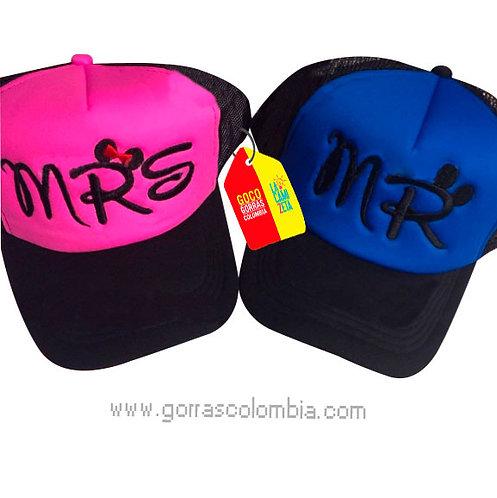 gorras negras frente fucsia y azul para pareja mr y mrs