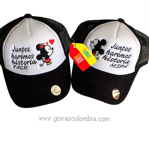 gorras negras frente blanco para pareja juntos mickey