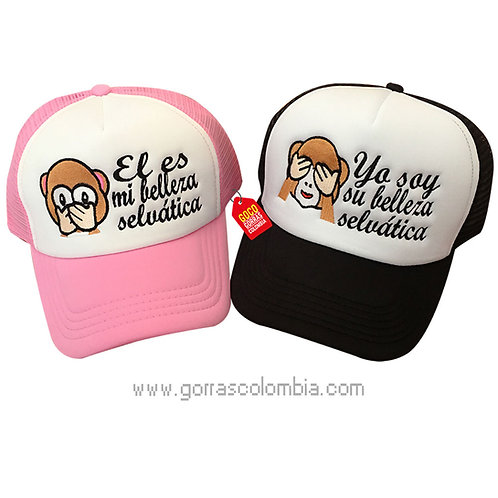 gorras negra y rosada frente blanco para pareja belleza selvatica