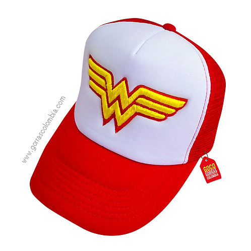 gorra roja frente blanco de superheroes mujer maravilla