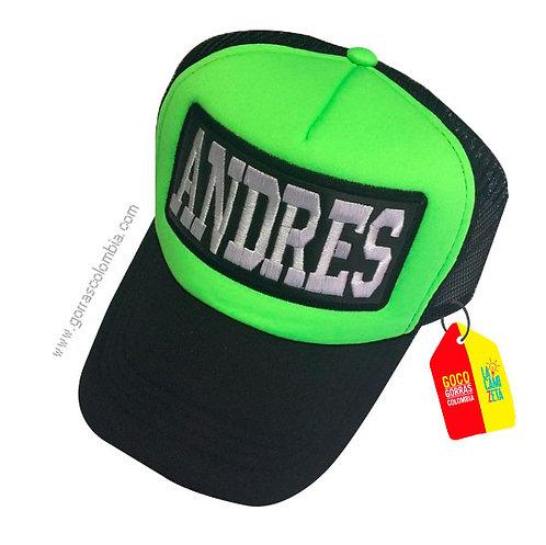 gorra negra frente verde personalizada nombre