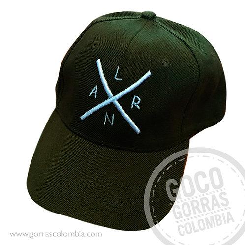 gorra negra unicolor personalizada cruzado iniciales