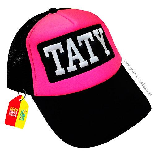 gorra negra frente fucsia personalizada nombre