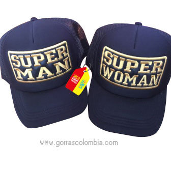 gorras moradas unicolor para pareja superman y superwoman