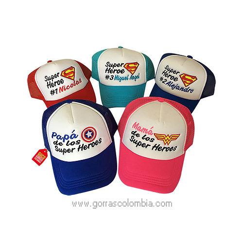 gorras varios colores frente blanco para familia super heroes