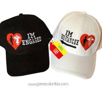 gorras negra y blanca unicolor para pareja engaged y fiancee