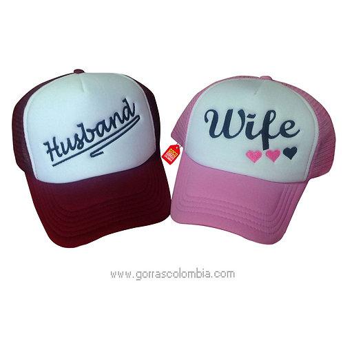 gorras vinotinto y rosada frente blanco para pareja husband y wife
