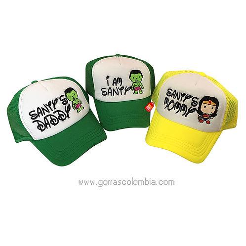 gorras verdes y amarilla frente blanco para familia super heroes