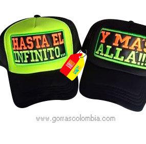 gorras negras frente verde y negro para pareja hasta el infinito