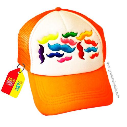gorra naranja frente blanco personalizada mostachos