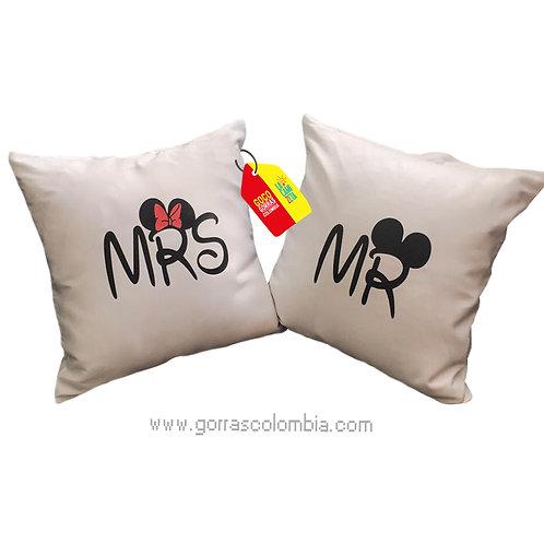 cojines blancos personalizados mr y mrs mickey