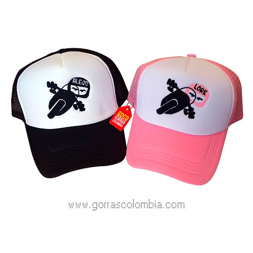 gorras negra y rosada frente blanco para pareja motos