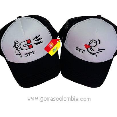 gorras negras frente blanco para pareja iman