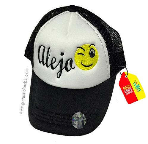 gorra negra frente blanco para niño emojic