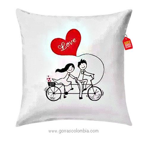 cojin blanco personalizado love en bici