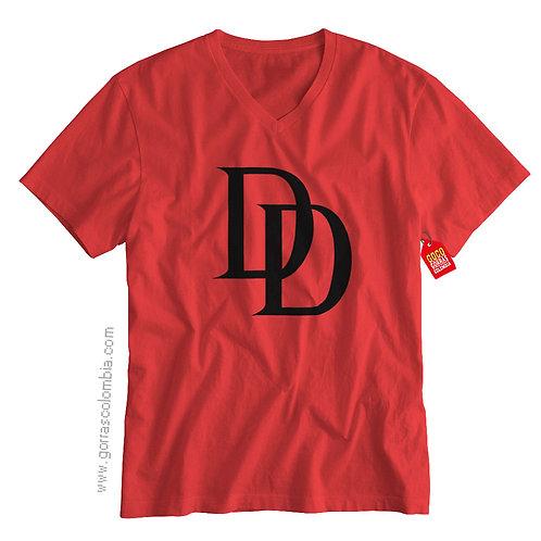camiseta roja de superheroes daredevil