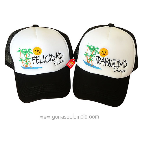 gorras negras frente blanco para pareja felicidad y tranquilidad