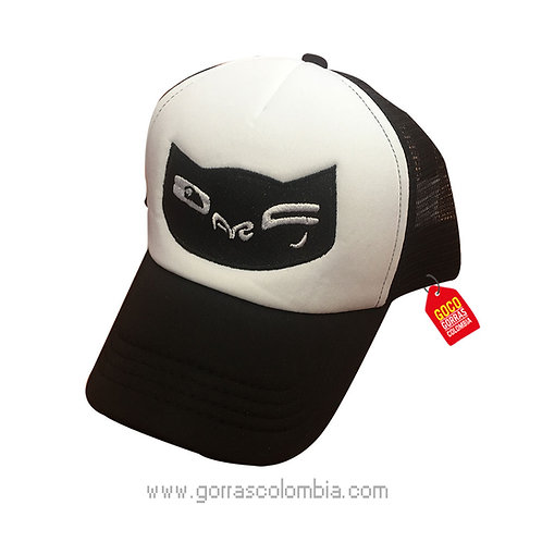 gorra negra frente blanco personalizada gato guiño
