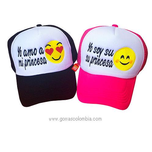 gorras negra y fucsia frente blanco para pareja princesa emojic