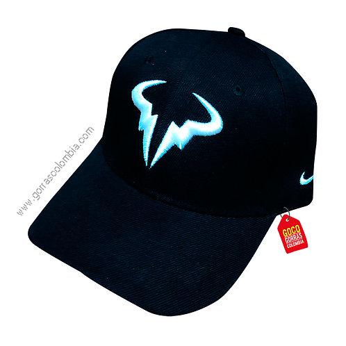 gorra negra unicolor personalizada cachos de toro