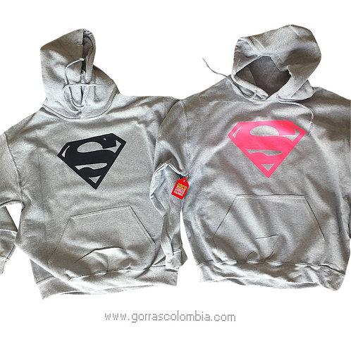 busos grises con capota para pareja superman