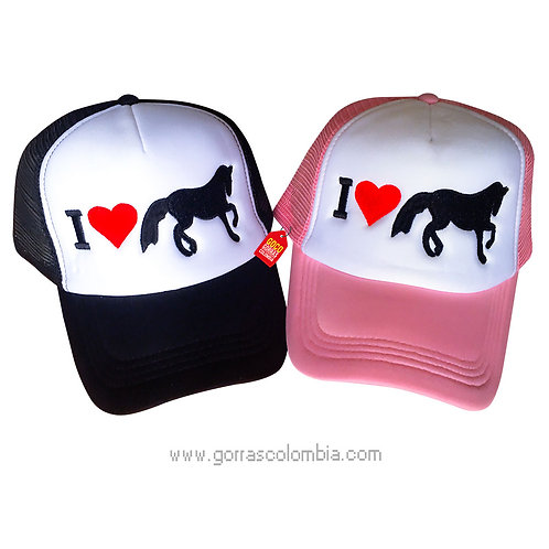 gorras negra y rosada frente blanco para pareja caballos